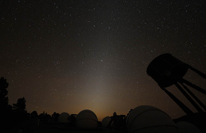 zodiacal light viewed near observatory